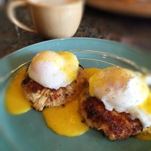 Keto Crab Cakes Eggs Benedict